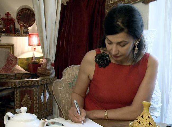 FRANCIA | The Barefoot Poetess